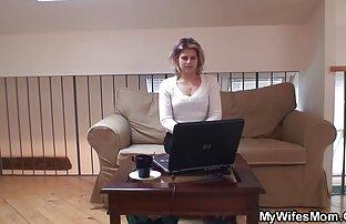 الفتيات مع الشعر الطويل يرجى الرجل على افضل موقع سكس اجنبى الأريكة الفاخرة