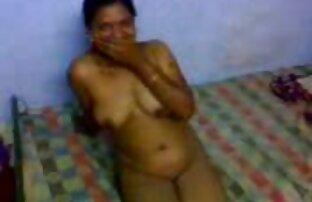 امرأة ناضجة cums في احلى بنات سكس اجنبي حين ممارسة الجنس مع رجل في المطبخ