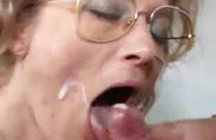 طالب سكس اجنبي احلى بنات الاستمناء في الحمام
